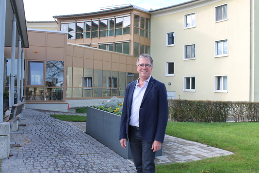 Der Montlinger Kurt Maute ist neuer Heimleiter des Altersheimes Feldhof. Er tritt seine Stelle am 1. April 2018 an. (Bild: Cécile Alge)